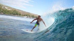 St.Leu-Reunion-Island-surfer-surfing1